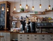 איך מעמדים לקפה יכולים לקדם מוצר או שירות מסוים?