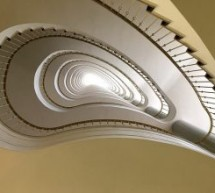 מעקות ומדרגות באיזה חומרים להשתמש